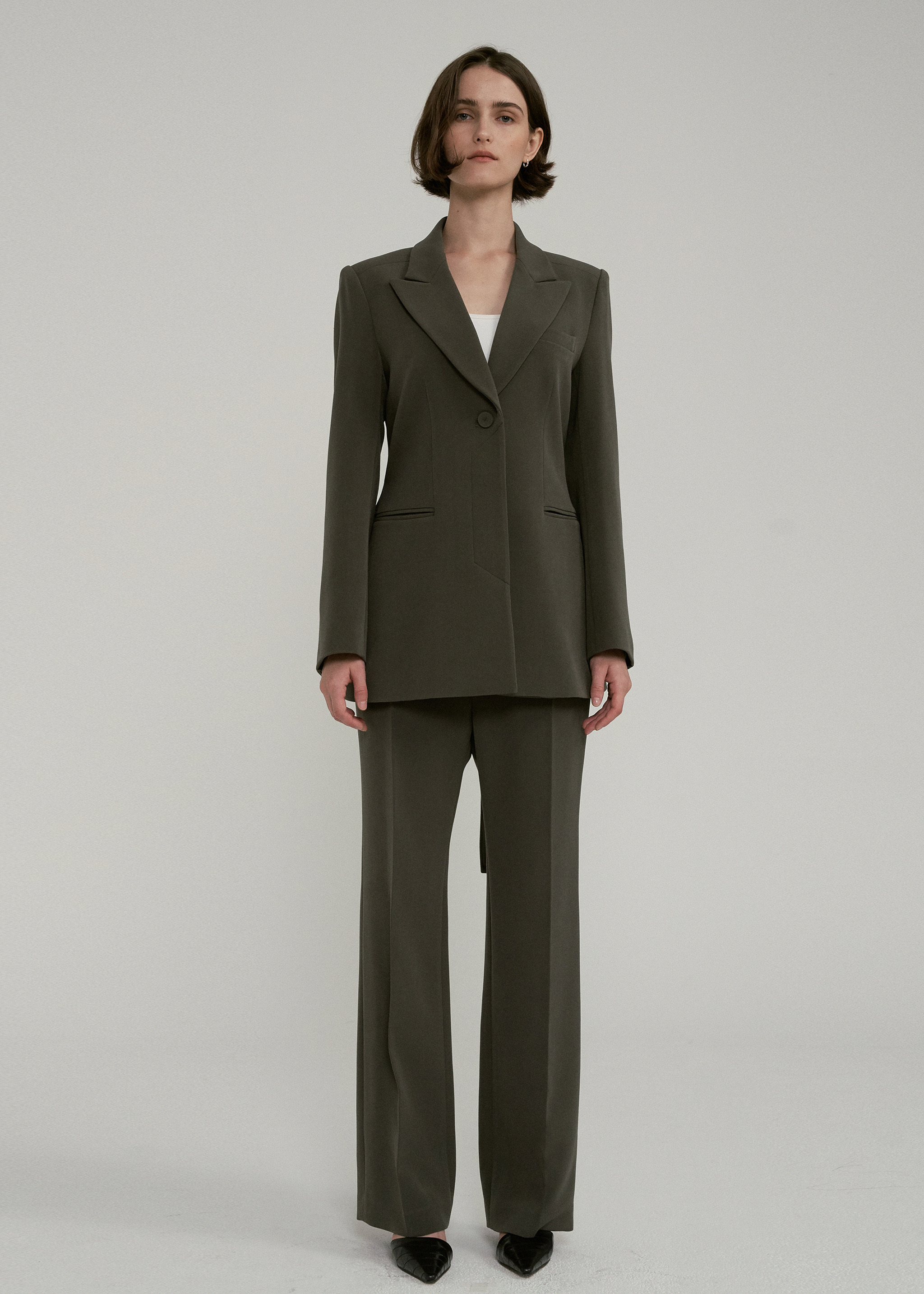 BELT TAILORED BLAZER (KHAKI)