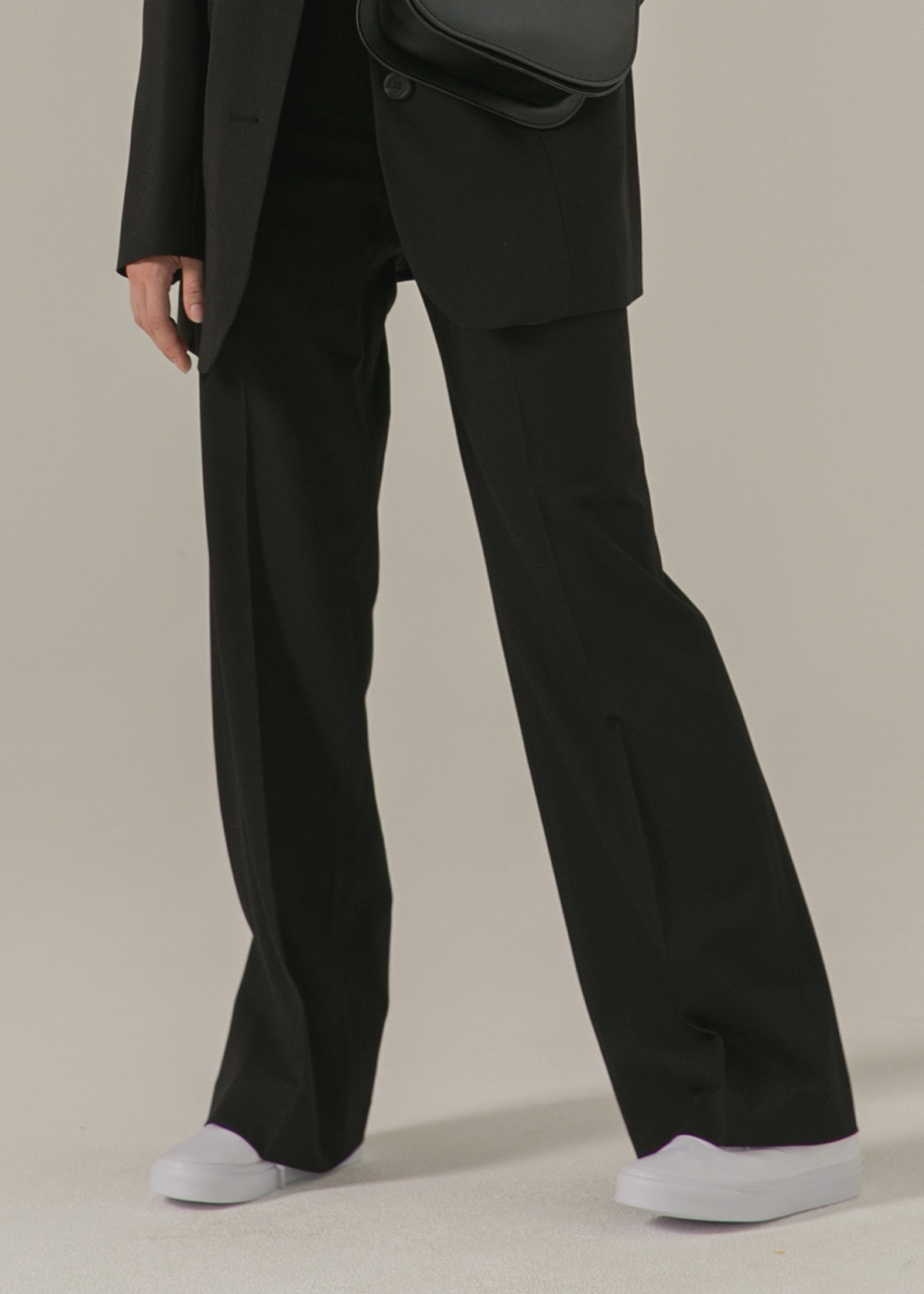 BASIC STRAIGHT PANTS (BLACK)