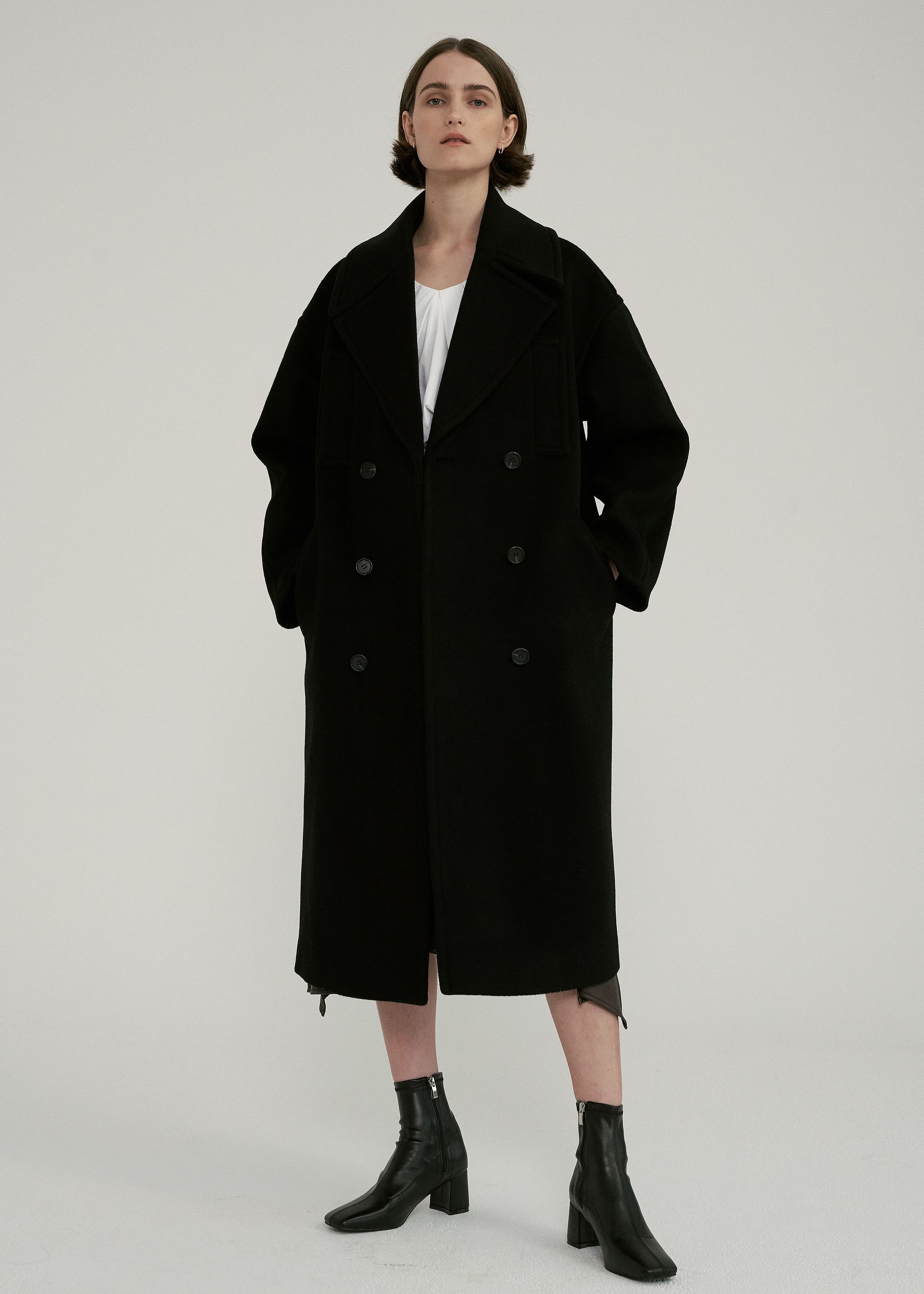 WOOL STITCH LONG COAT (BLACK)