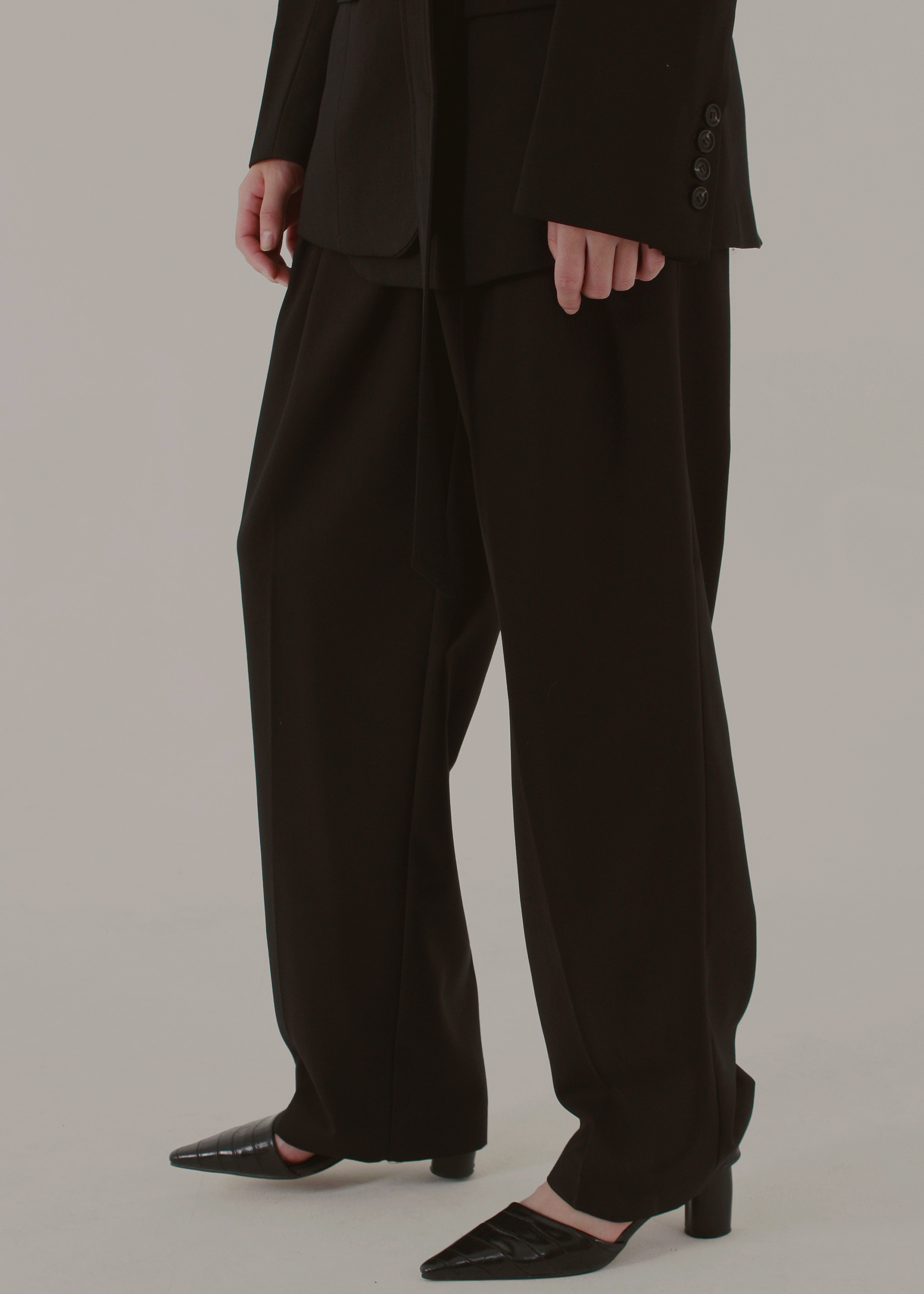 WIDE LEG TROUSERS (BLACK)