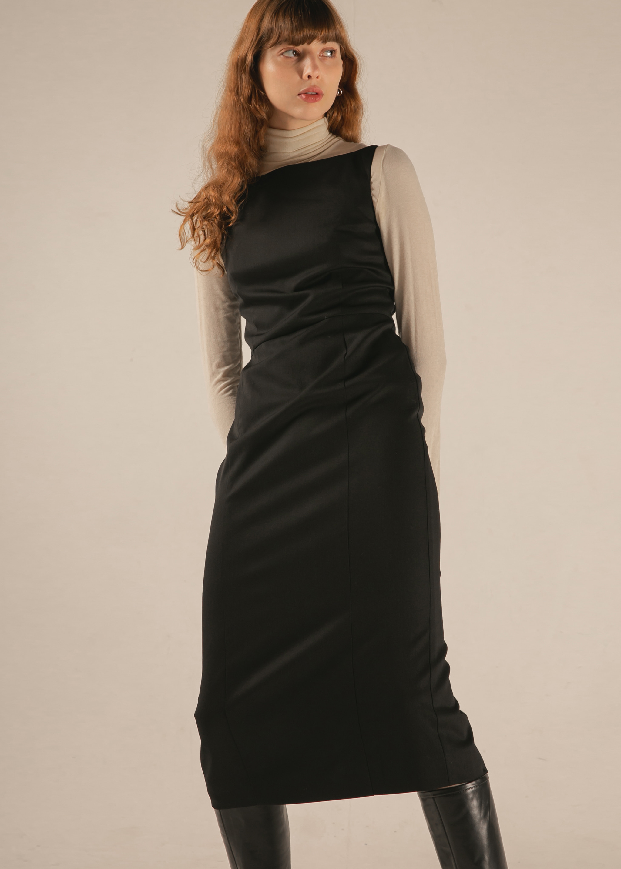 BOAT NECK WOOL DRESS (BLACK)