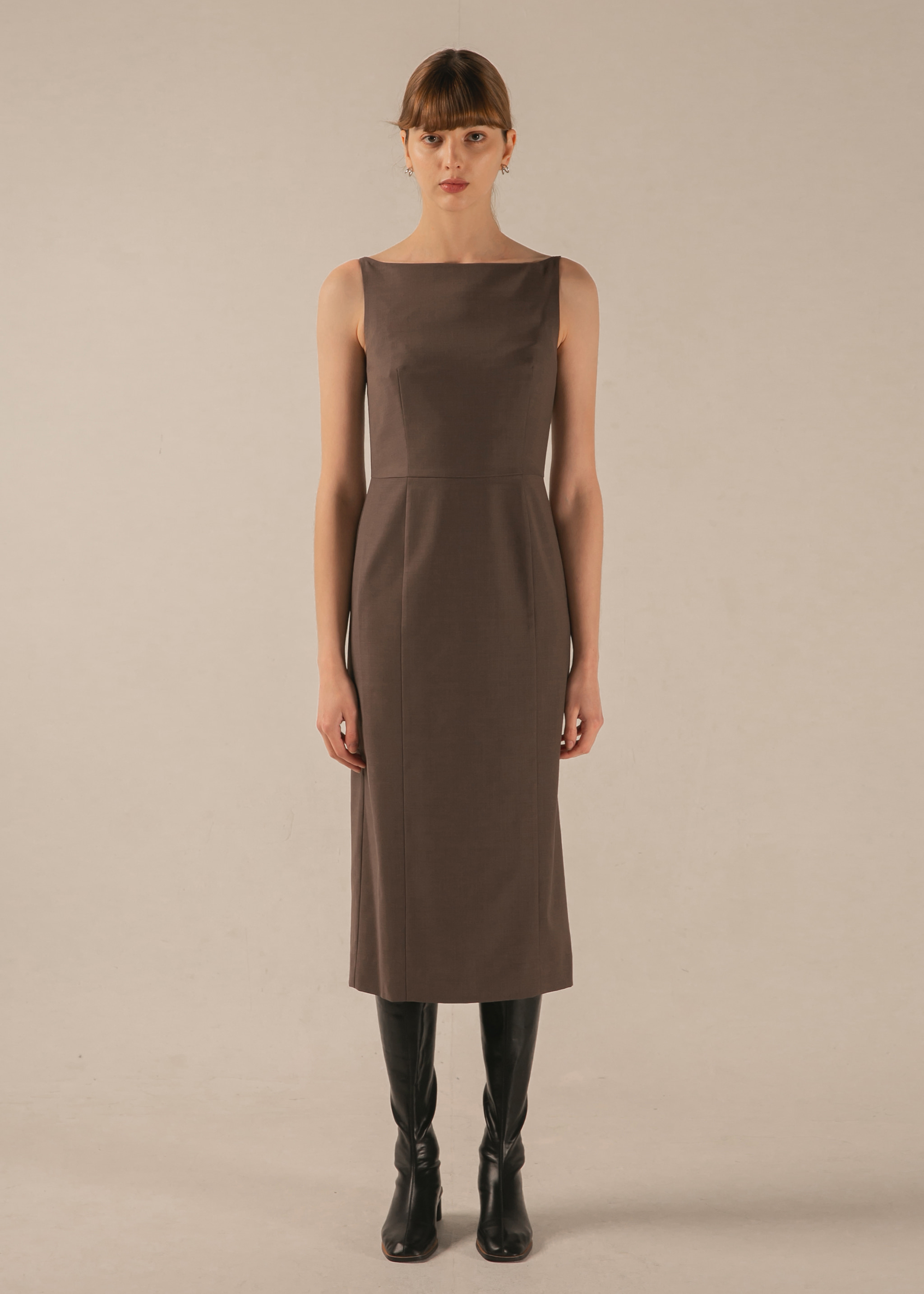 BOAT NECK WOOL DRESS (COCOA)