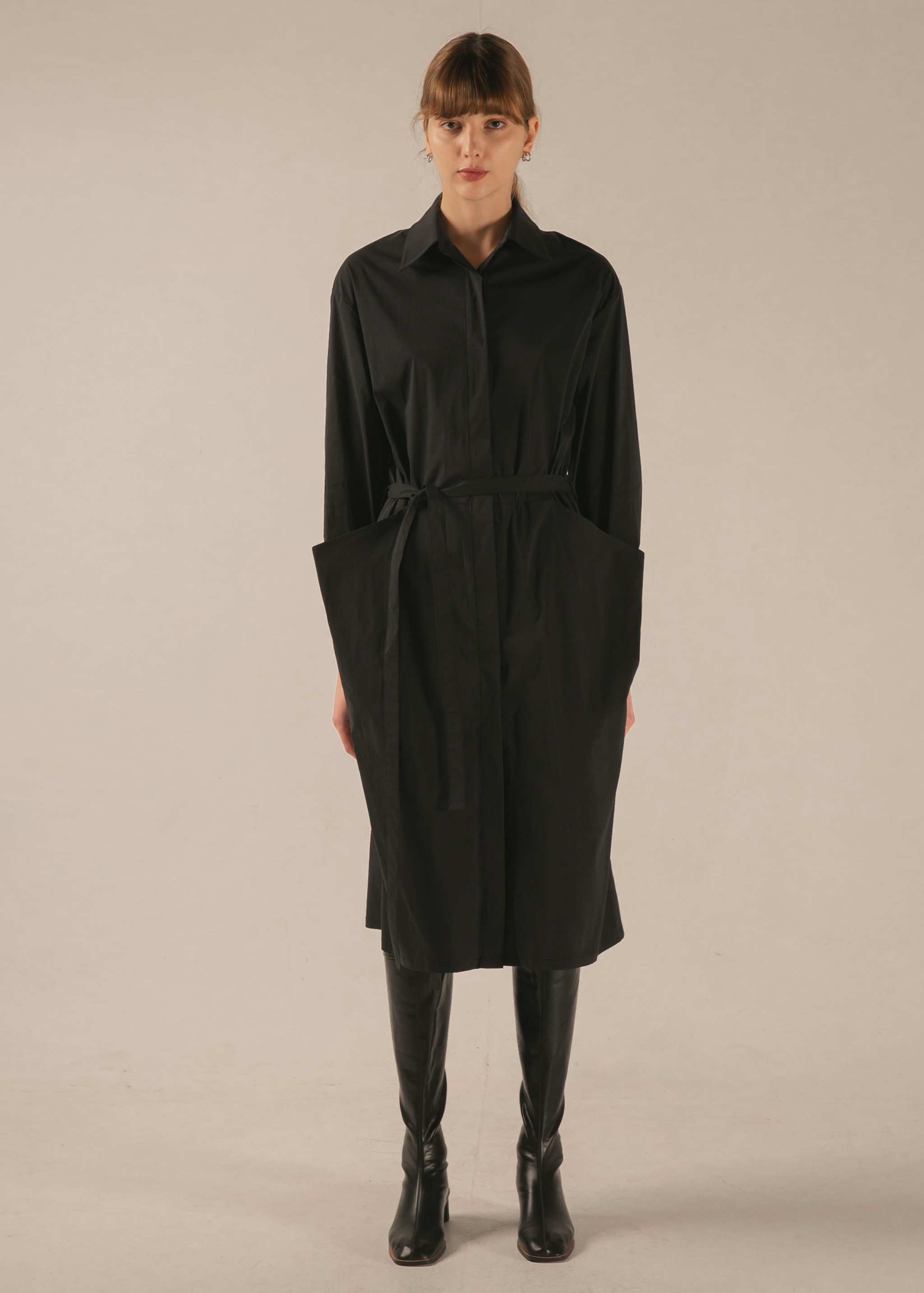 DRAPED POCKET DRESS (BLACK)