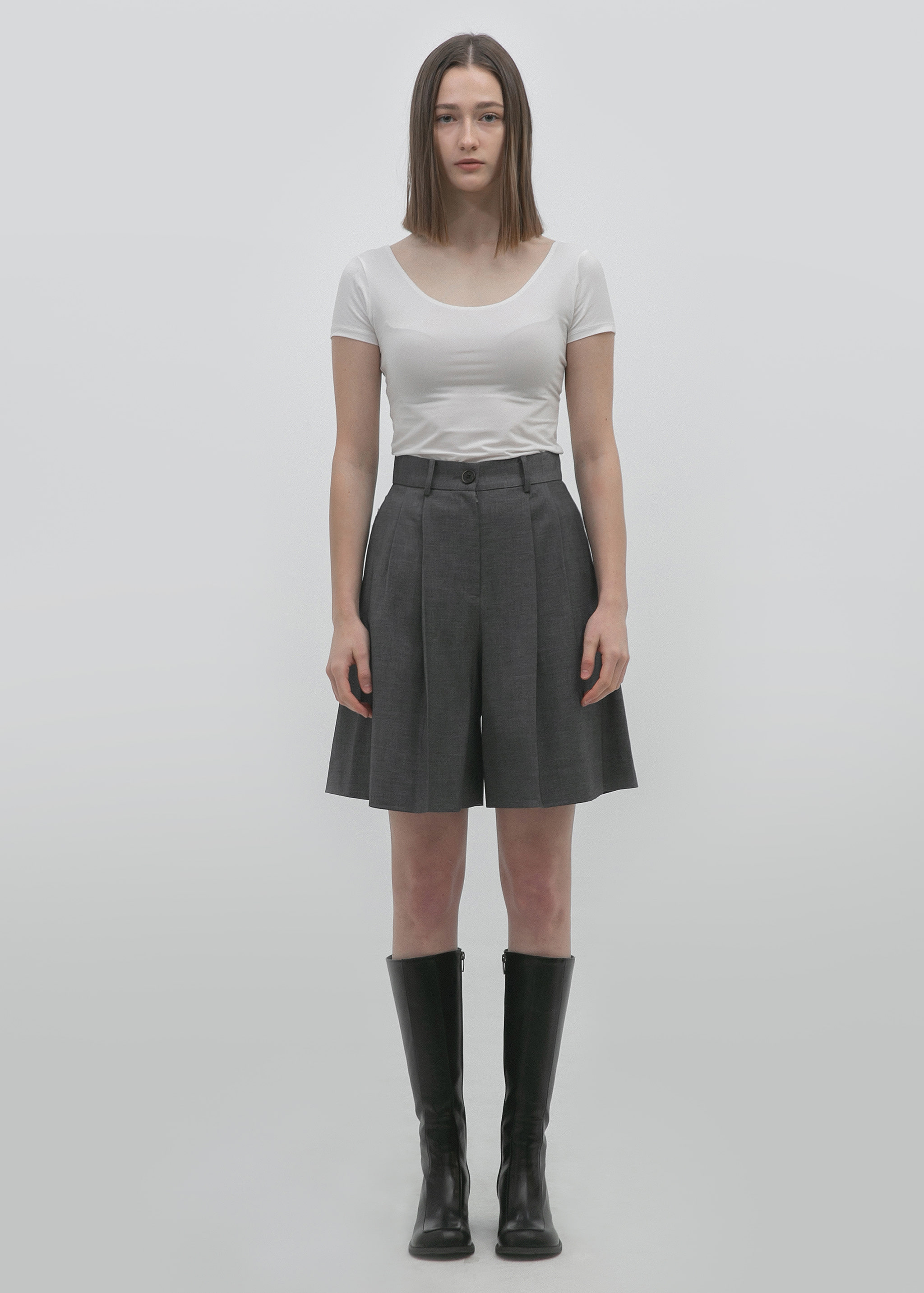 PLEATED BERMUDA SHORTS (ULTIMATE GRAY)
